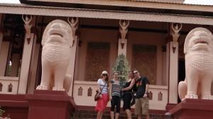 Wat Phnom mit Mona, Philipp un Jule