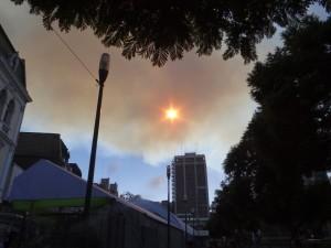 Rauch über Valapariso 11 April 2014