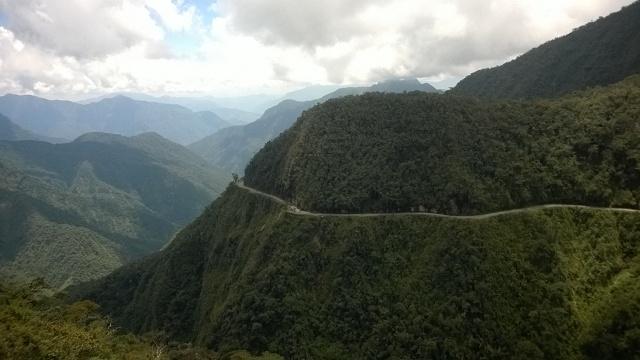 Death Road – Downhill Mountainbiking auf der gefährlichsten Straße der Welt